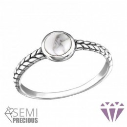 Fehér köves ezüstgyűrű