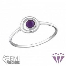 Lila kővel díszített gyűrű