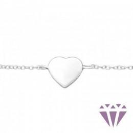 Ezüst szív formával díszített karkötő